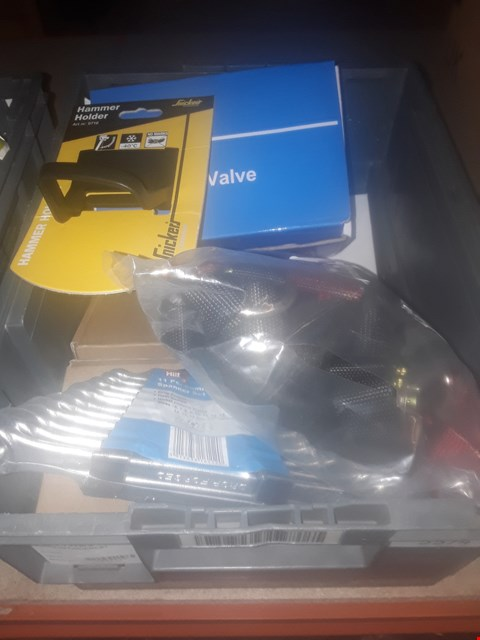 Lot 5574 BOX OF ASSORTED ITEMS TO INCLUDE HILKA 11 PIECE COMBINATION SPANNER SET, KLQD 2/2 WAY SOLENOIDVALVE ANDSNICKERS HAMMER HOLDER ETC