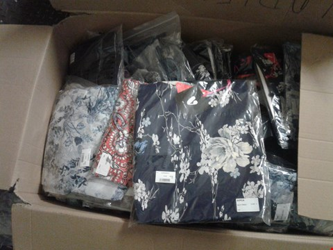 Lot 854 A BOX OF APPROXIMATELY 26 ASSORTED CLOTHING ITEMS TO INCLUDE A BLUE FLORAL SHIRT, A LADIES RED SWIMSUIT AND A NAVY PRINT DRESS