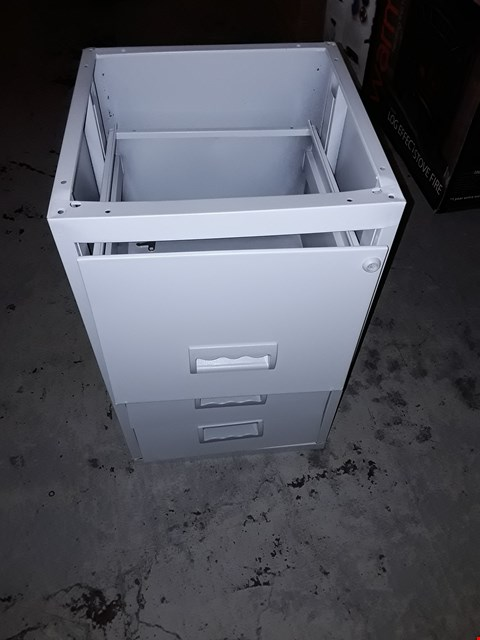 Lot 881 OFFICE 3 DRAWER CABINET