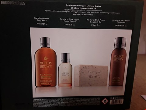 Lot 2020 BOXED MOLTON BROWN LONDON RE-CHARGE BLACK PEPPER ULTIMATE GIFT SET