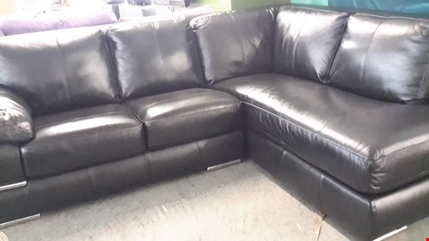 Lot 1 DESIGNER BLACK HIGH GLOSS FAUX LEATHER CORNER CHAISE SOFA WITH CHROME DETAIL