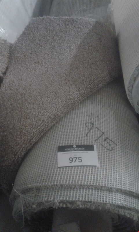 Lot 975 ROLL OF PARK LANE BISCUIT HEATHER CARPET APPROXIMATELY 6X4M