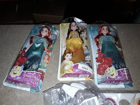 Lot 4065 A LOT OF 4 ITEMS TO INCLUDE 3 DISNEY PRINCESS DOLLS AND TOY STORY DOUGH SET