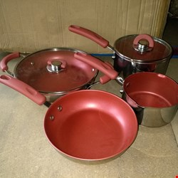Lot 4068 4 PIECE STAINLESS STEEL POTS AND PANS SET
