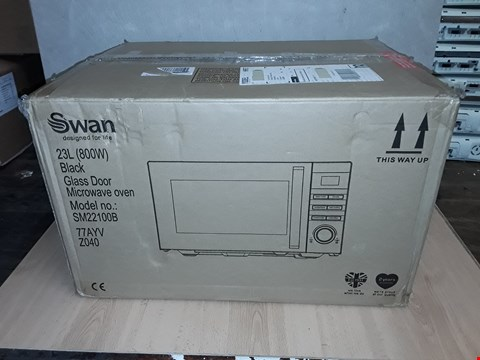 Lot 8104 SWAN SM22100B 23L MICROWAVE BLACK  RRP £109.99
