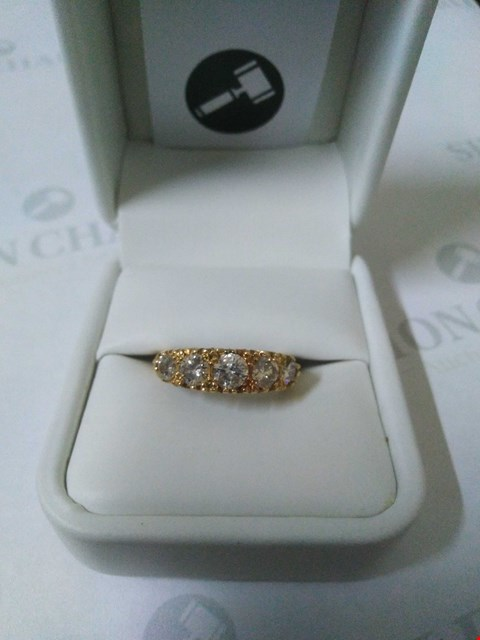 Lot 51 18CT YELLOW GOLD FIVE STONE GRADUATED RING SET WITH DIAMONDS WEIGHING +1.33CT RRP £2985.00