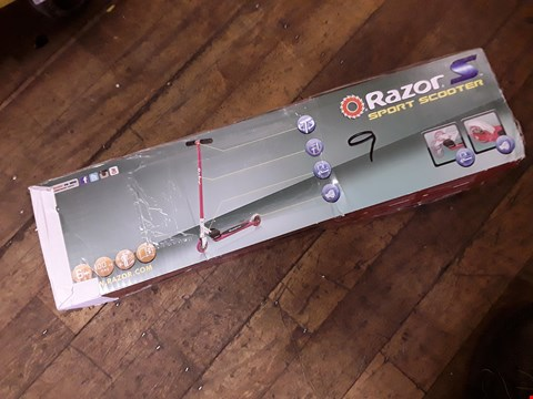 Lot 87 GRADE 1 BOXED BRAND NEW RAZOR SPORTS SCOOTER - PINK