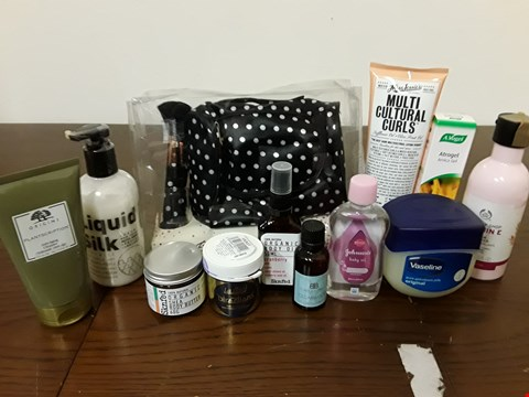 Lot 8093 LOT OF ASSORTED HEALTH AND BEAUTY ITEMS TO INCLUDE PAINT BOX POLKA DOT MAKE UP BAG, ORIGINS ANTI-AGING CLEANSER AND 250ML VASELINE POT