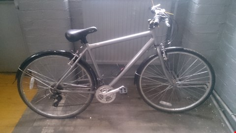 Lot 523 RALEIGH LADIES 6 SPEED BIKE
