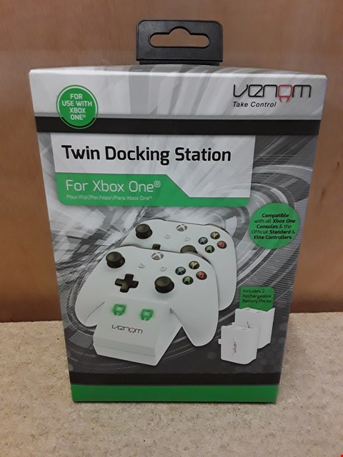 Lot 60 BRAND NEW BOXED VENOM XBOX ONE TWIN DOCKING STATION
