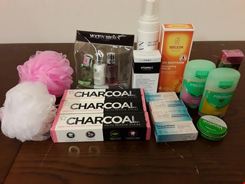 Lot 8092 LOT OF ASSORTED HEALTH AND BEAUTY ITEMS TO INCLUDE CHARCOAL TOOTHPASTE, WELEDA REPLENISHING BODY OIL AND THE-INKEY-LIST VITAMIN C FACE SERUM