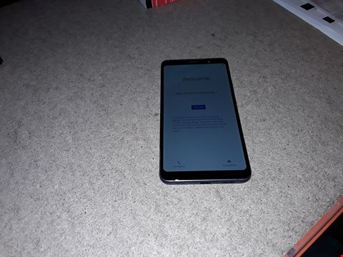 Lot 9140 NOKIA 9 PUREVIEW MIDNIGHT BLUE MOBILE PHONE