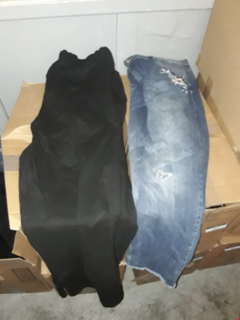 Lot 364 BOX OF APPROXIMATELY 15 ASSORTED CLOTHING ITEMS TO INCLUDE BLACK STRAIGHT LEG JEANS AND VINTAGE BLUE EMBROIDERED JEANS