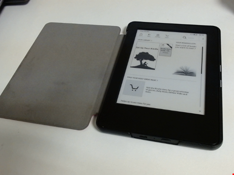 Lot 5131 AMAZON KINDLE PAPERWHITE WP63GW E-READER TABLET WITH CASE