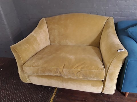 Lot 2021 QUALITY BRITISH DESIGNER OCHRE FABRIC SNUGGLE CHAIR