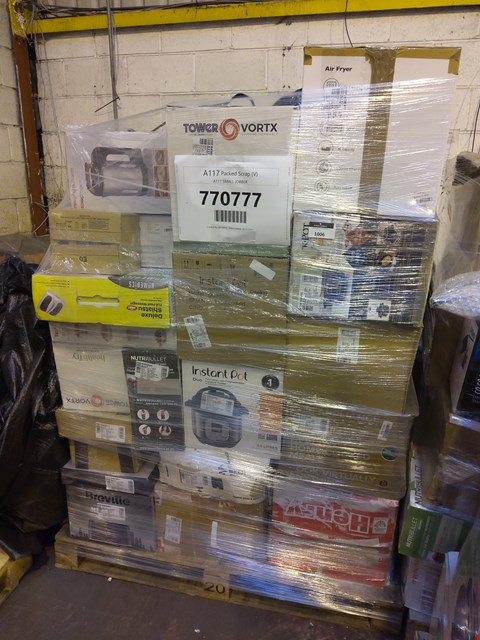 Lot 1006 PALLET OF APPROXIMATELY 42  ASSORTED ITEMS TO INCLUDE: