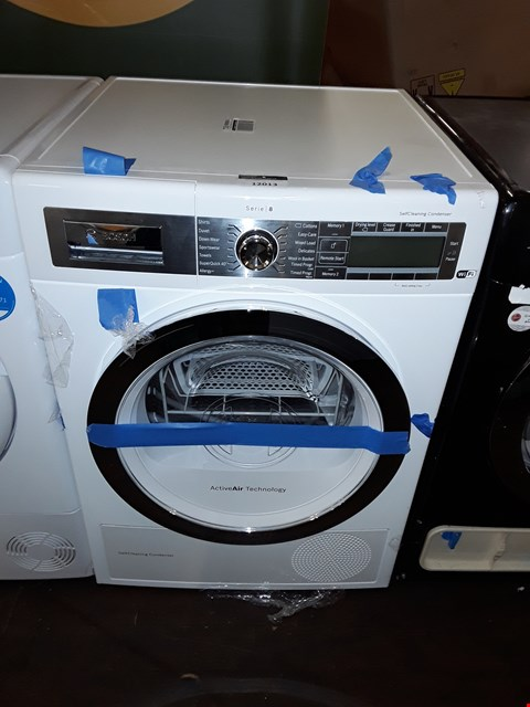 Lot 12013 BOSCH WTYH6791GB SERIE 8 - 9KG FREESTANDING CONDENSER TUMBLE DRYER WITH HEAT PUMP - WHITE