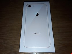Lot 10105 BRAND NEW BOXED APPLE IPHONE 8 GOLD 64GB MODEL A1905