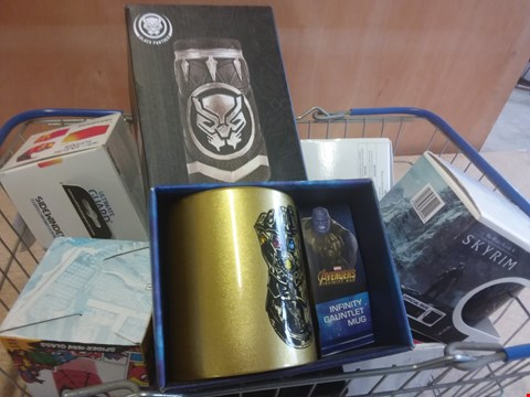 Lot 656 10 BRAND NEW ITEMS TO INCLUDE A AVENGERS INFINITY GAUNTLET MUG, A SKYRIM OFFICIAL MUG AND A MARVEL STEIN MUG ( BASKET NOT INCLUDED)