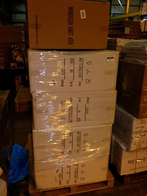 Lot 107 PALLET OF 8 BRAND NEW BATHROOM ITEMS TO INCLUDE WINDSOR 65CM AND 45CM WHITE GLOSS UNITS