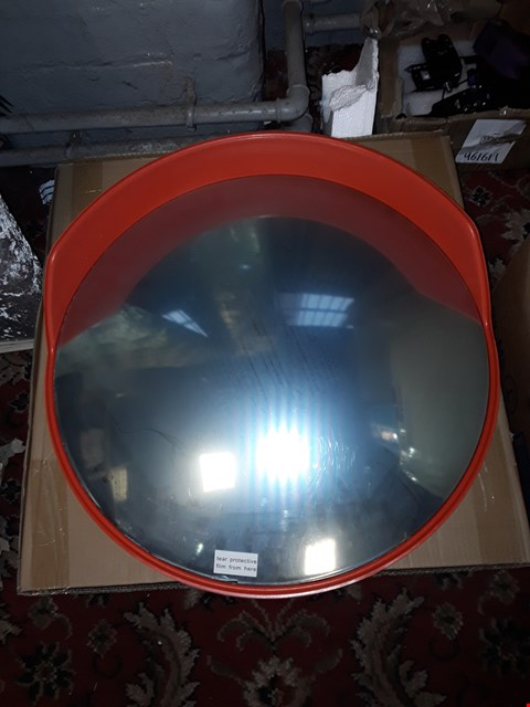 Lot 6099 UNBREAKABLE TRAFFIC CONVEX MIRROR