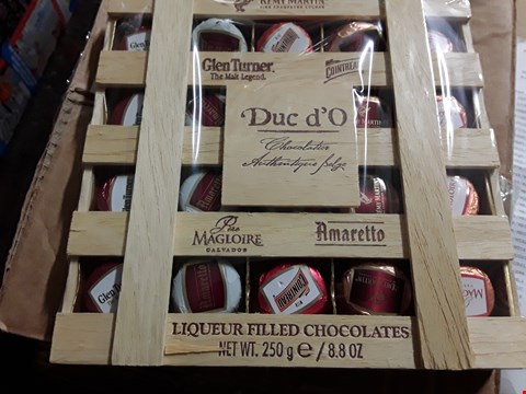 Lot 1373 TWO ITEMS, SET 3 MINI TREE PAGHFINDER LIGHTS & DUC D'O LIQUERS IN WOODEN CRATE RRP £49.99