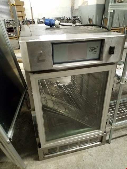 Lot 76 DUKE THERMOTAINER HOLDING CABINET - SERIAL NUMBER FTU-5-230