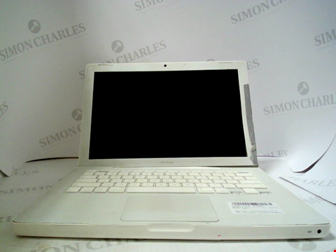 Lot 699 APPLE MACBOOK A1181 LAPTOP