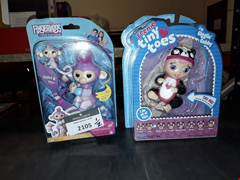 Lot 2105 FINGERLINGS FRIENDSHIP AT YOUR FINGER TIPS TOY AND TEENY TINY TOES DOLL