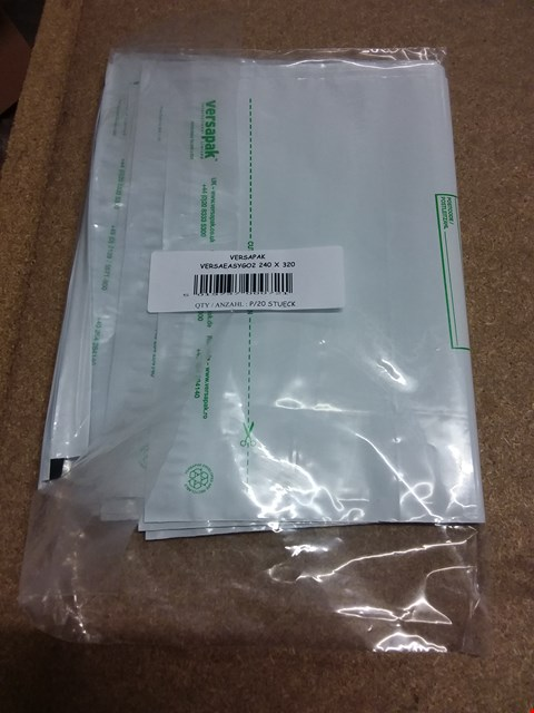 Lot 10409 LOT OF APPROXIMATELY 100 BRAND NEW VERSAPAK VERSA EASY GO OPAQUE ENVELOPES SIZE 240 X 320MM