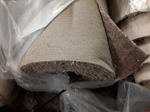 Lot 3013 ROLL OF TUDOR TWIST HEATHERS MOHAIR CARPET APPROXIMATELY 5X6.5