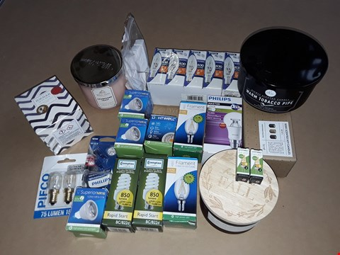Lot 1 LOT OF ASSORTED CANDLES AND LIGHT BULBS TO INCLUDE PHILIPS MASTER LEDBULB AND RIKRAK SCENTED CANDLE