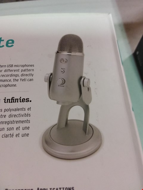 Lot 12076 BLUE MICROPHONE YETI  USB MICROPHONE