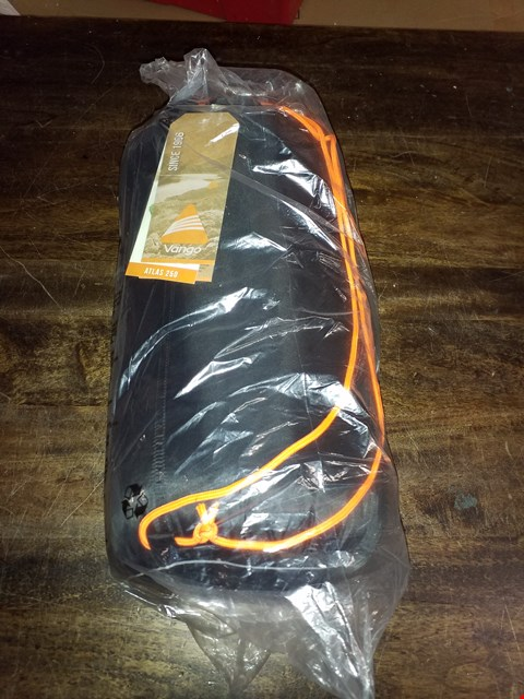 Lot 422 LOT OF 2 BRAND NEW ATLAS 250 SINGLE SLEEPING BAGS RRP £60.00