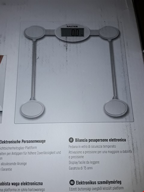 Lot 5206 SALTER GLASS ELECTRONIC SCALE RRP £40.00