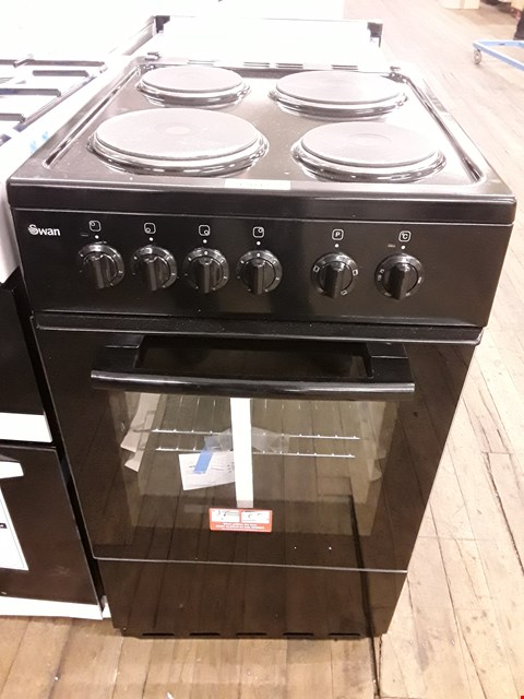 Lot 12042 SWAN SX1011B BLACK 50CM ELECTRIC COOKER RRP £389.00