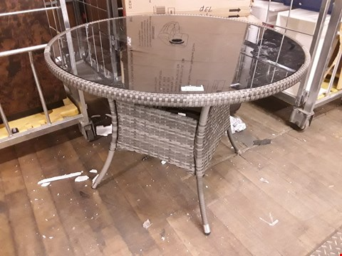 Lot 12168 DESIGNER CIRCULAR GLASS TOP RATTAN EFFECT PATIO DINING TABLE