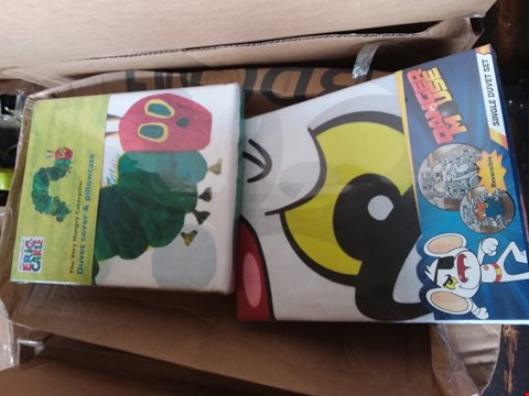 Lot 49 LOT OF 3 BOXES OF ASSORTED BEDDING TO INCLUDE DANGER MOUSE, THE VERY HUNGRY CATERPILLAR APPROX 26