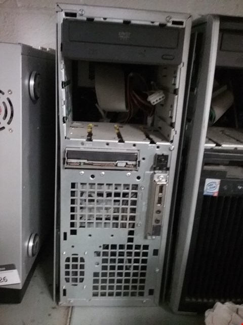 Lot 202 HP WORKSTATION 4100 XW4100