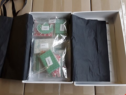 Lot 2363 3 BOXES OF APPROXIMATELY 35 BRAND NEW SERENETY PRE CUT TRAY CLOTHS AND TABLE