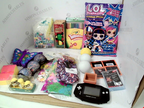 Lot 3062 LOT OF ASSORTED TOYS & COLLECTIBLES TO INCLUDE: GAMEBOY ADVANCE CONSOLE, CRAYOLA TWISTABLE CRAYONS, CLASSIC JUGGLING BALLS