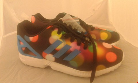 Lot 2083 PAIR OF ADIDAS ZX FLUX SIZE 9.5