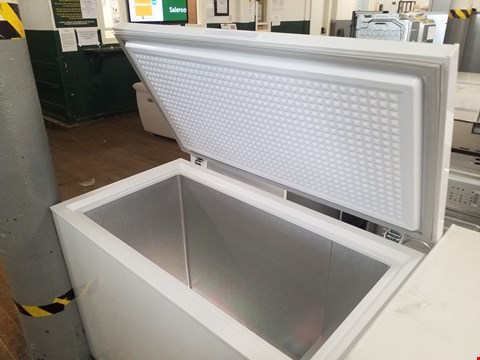 Lot 8571 SWAN SR4180W WHITE 282 LITRE CHEST FREEZER  RRP £259.00