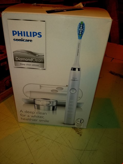 Lot 6815 PHILIPS SONICARE DIAMOND CLEAN DEEP CLEAN EDITION TOOTHBRUSH