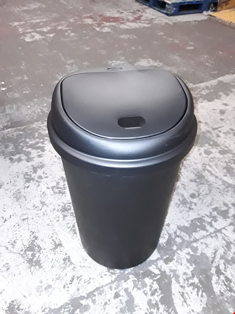 Lot 162 PLASTIC 50LTR ROUND TOUCH TOP BIN RRP £30