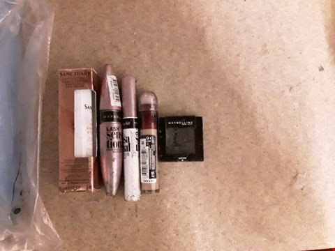 Lot 2475 LOT OF 3 ITEMS TO INCLUDE SANCTUARY SPA POWER PEPTIDE AWAKENING EYE SERUM, DOVE CLASSIC BEAUTY COLLECTION GIFT SET AND MYBELLINE PERFECT SMOKY EYE KIT  RRP £75