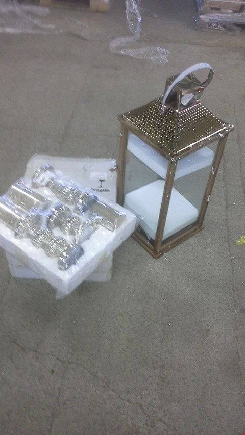 Lot 2175 A LOT OF 3 ITEMS TO INCLUDE LARGE BRONZE EFFECT LANTERN AND 2 MERCURY CANDLE SETS