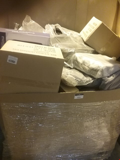 Lot 6061 LARGE PALLET OF ASSORTED ITEMS INCLUDING, LUMBAR SUPPORT PILLOWS, BLACK FAUX LEATHER SADDLE BAGS, 3PC GLASS CHRISTMAS TREE SETS, A4 DOCUMENT WALLETS, ROLLS OF PVC TABLE PROTECT MATS, RUTLAND COUNTY MA
