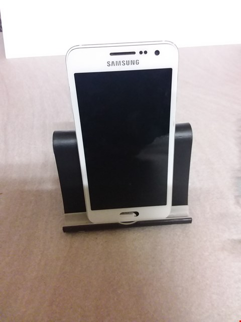 Lot 684 SAMSUNG A3 -A300 16GB WHITE