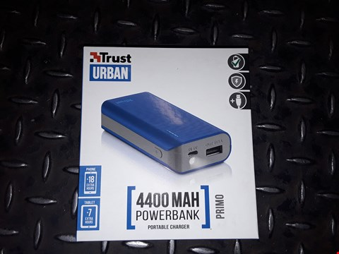 Lot 2432 BOX OF APPROXIMATELY 49 TRUST URBAN 4400 MAH POWER BANK PORTABLE CHARGER PRIMO BLUE
